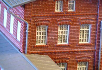 Plastikové budovy – stanica a administratívna budova