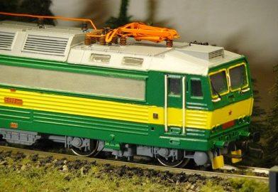 """Stavba lokomotívy E499.3003 """"Peršing"""" z odliatku"""