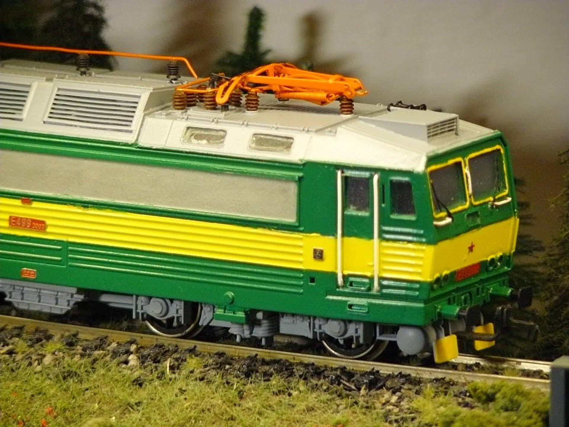 """Stavba lokomotívy E499.3003 """"Peršing"""" z odliatku post thumbnail image"""